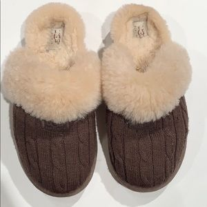 Ugg knit slippers
